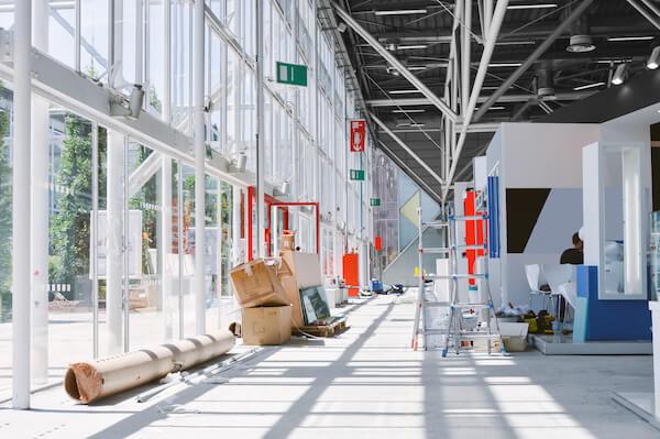 Dieses Bild zeigt eine Event-Location in Berlin und soll das Beitragsthema 'Events, Gastronomie und Entsorgung' unterstreichen.